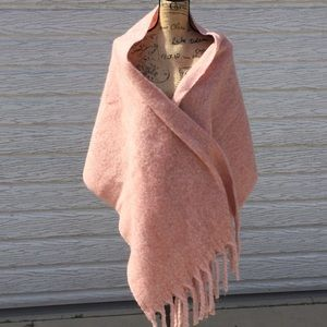 """Forever 21 Wrap  21.6"""" x 73"""""""